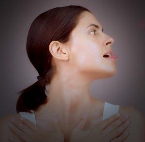 Лицеви йога упражнения за 2 минути с лифтинг ефект